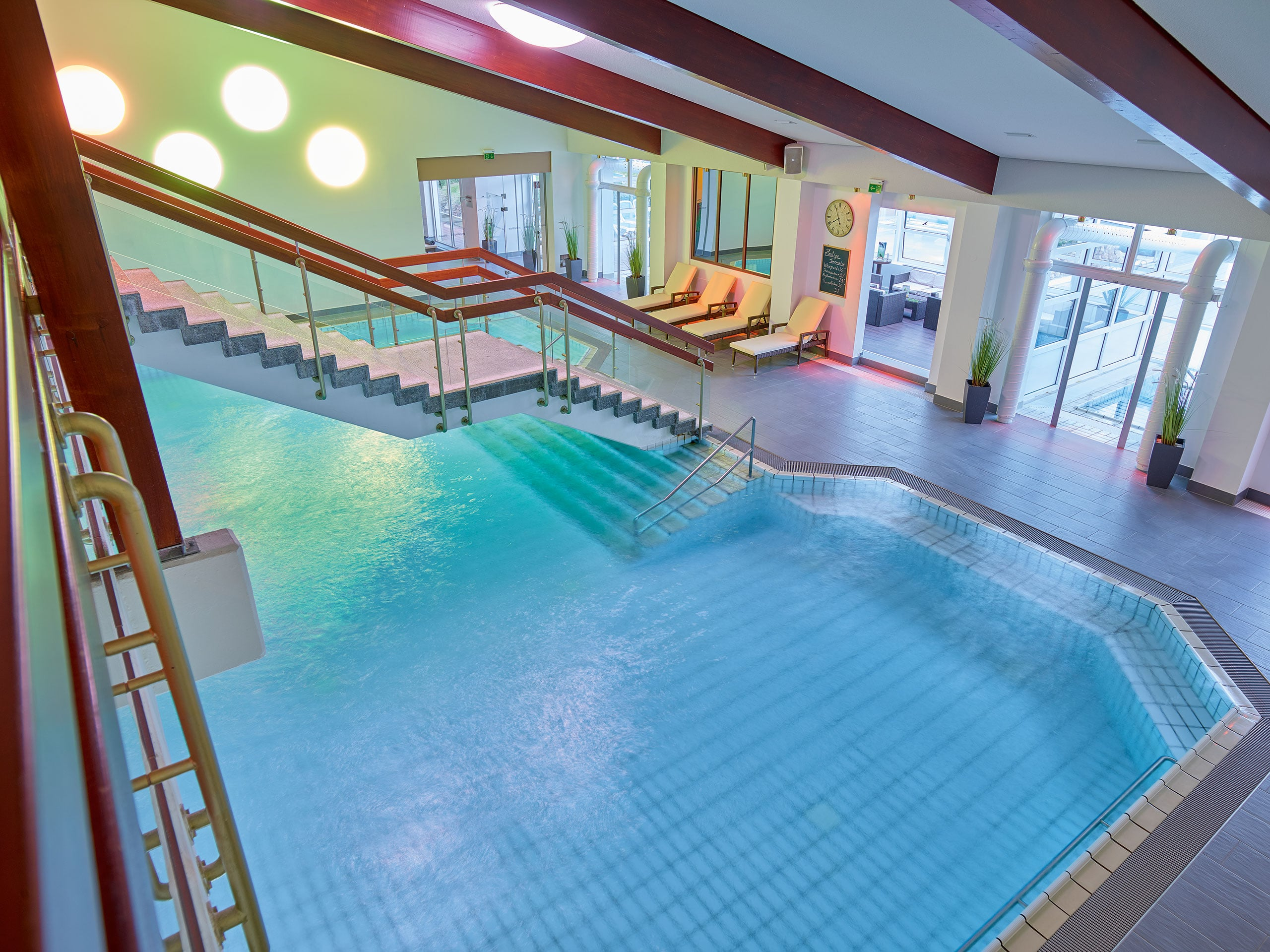 Therme großes Becken DAS LUDWIG
